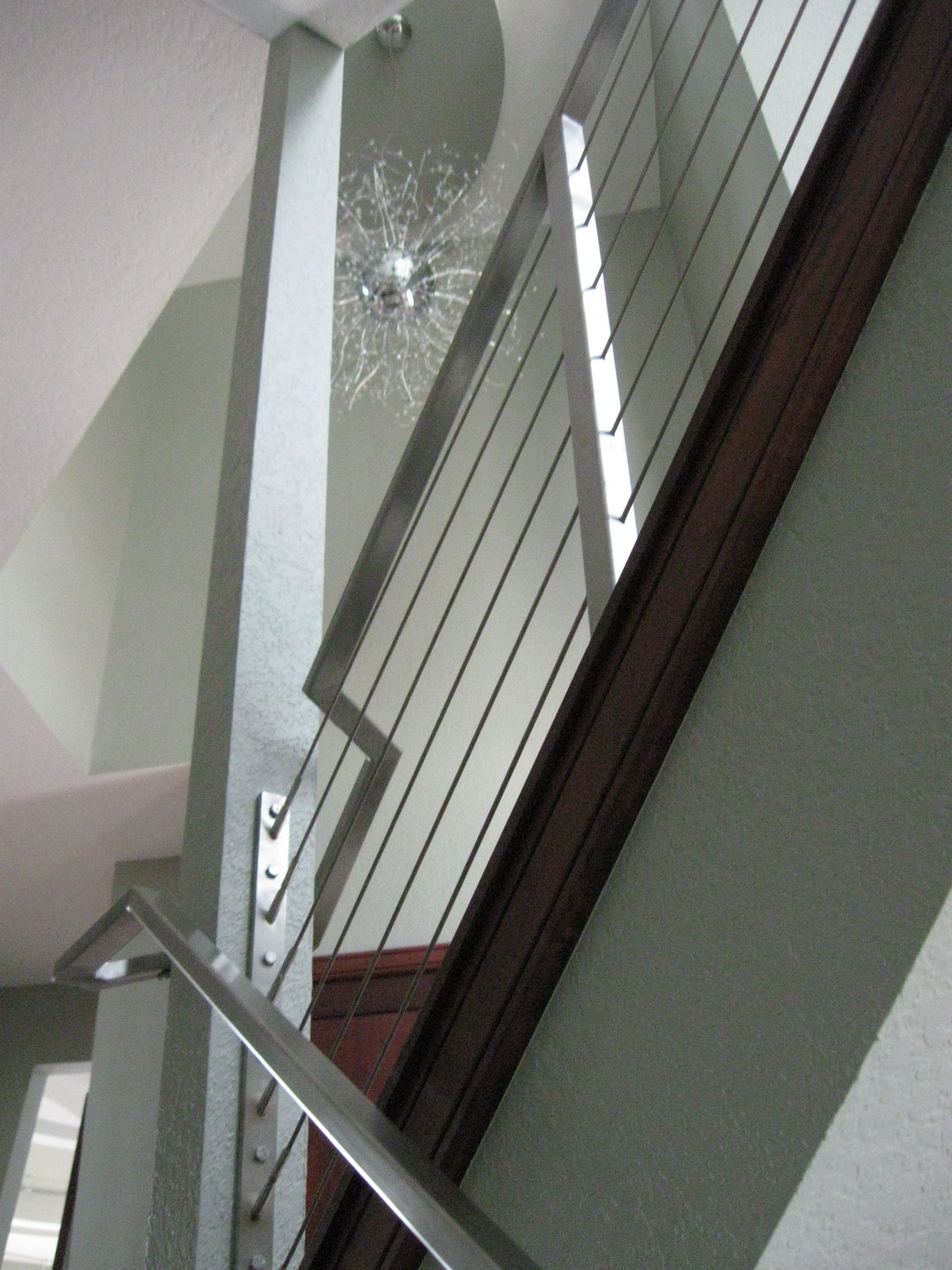 Best Use Metal As A Hand Railing To Give The Staircase A Modern 640 x 480