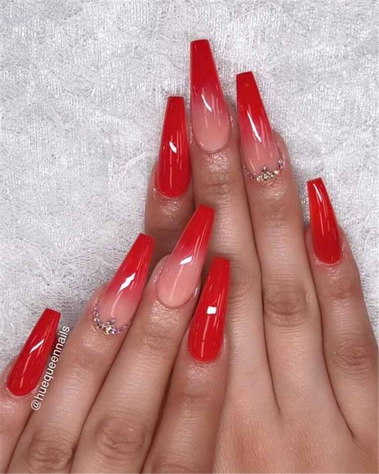 50 Trendy Winter Red Coffin Nail Designs For The Christmas And New Year Page 19 Of 50 In 2020 Red Acrylic Nails Red Ombre Nails Coffin Nails Designs