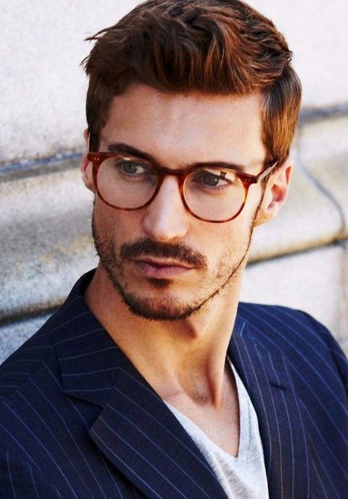 Tagli di capelli uomo con occhiali