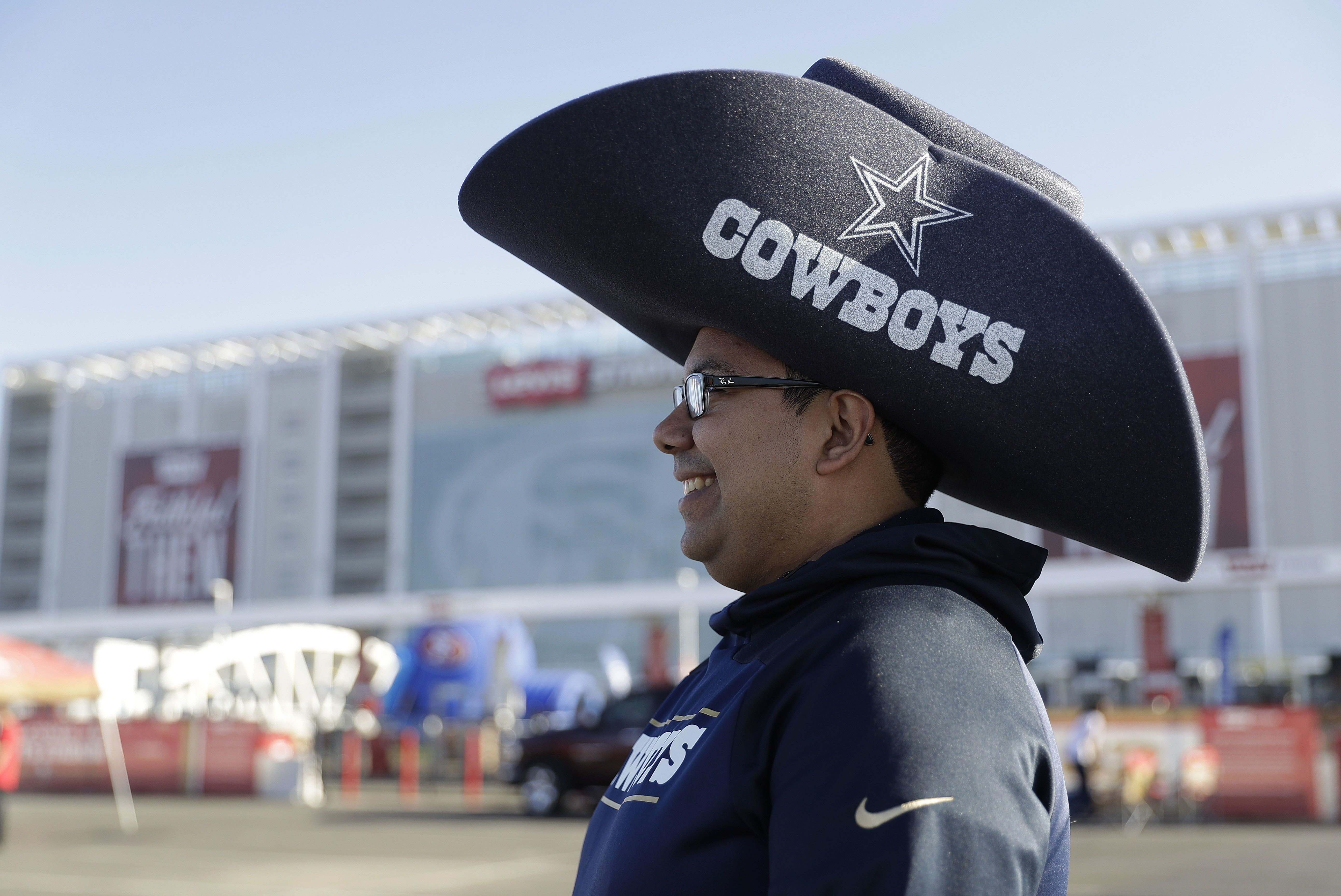 EVERYTHING is bigger in Texas (AP/Sanchez). Cowboys