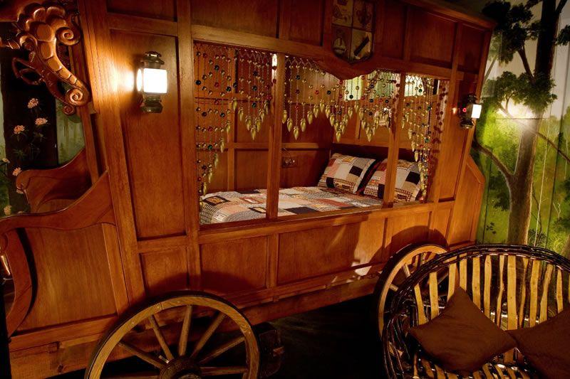 gypsy wagons | Gypsy-Caravan-Wagon www.hoteloddities.com | The Gypsy in me