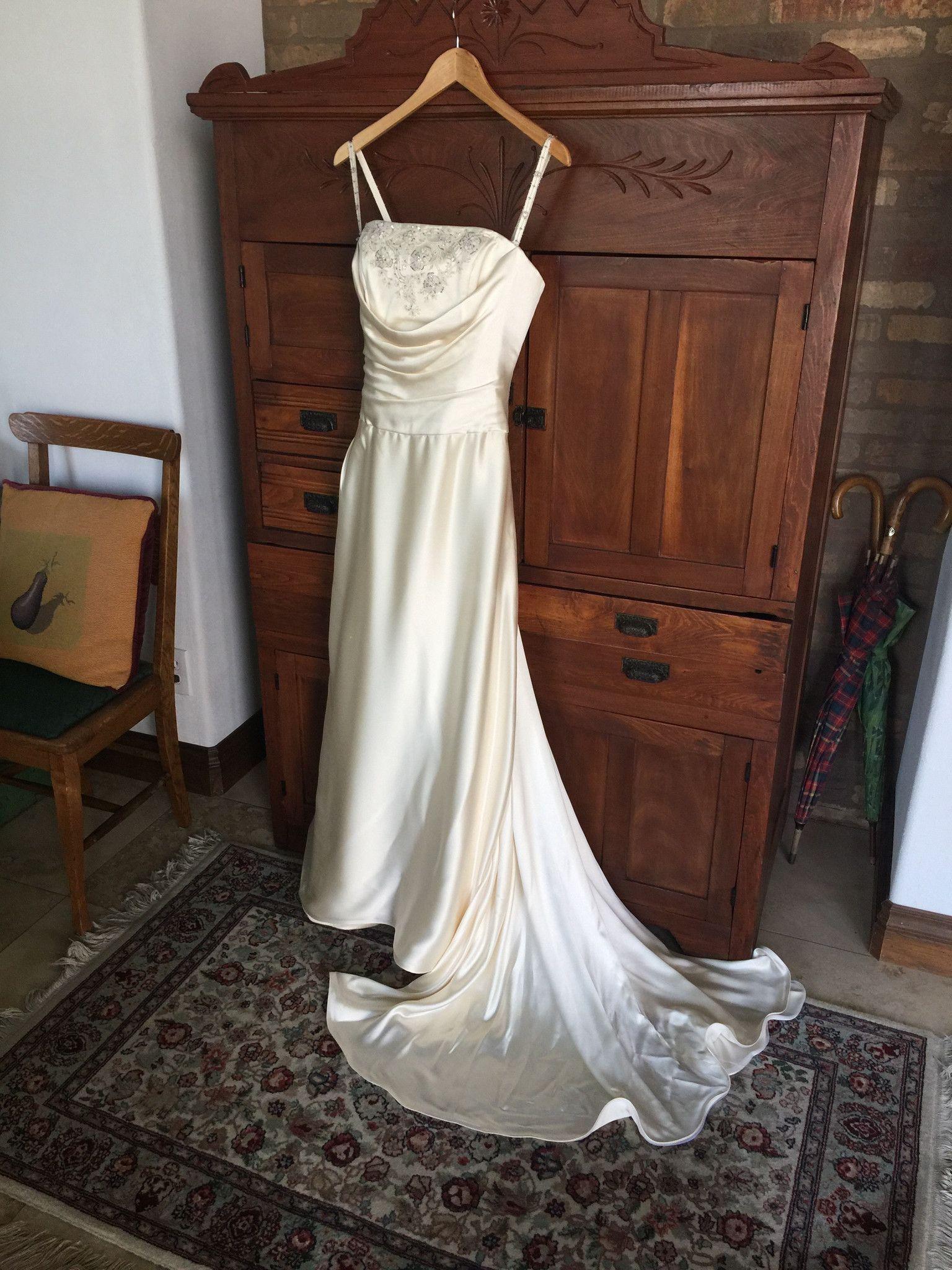 Wedding dress boxing  Yolanda uIreneu  Wedding boxes Wedding dress and Weddings