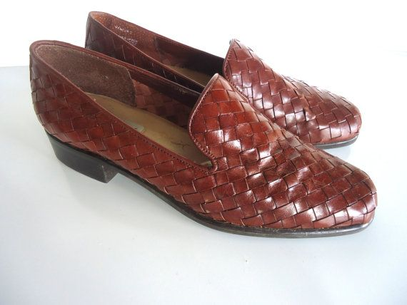 Vintage CHOCOLATE BROWN WOVEN Pixie Flat by goldbunnyvintage, $16.00