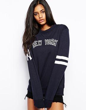 f542ad10206fe Majestic New York Yankees Text Sweatshirt