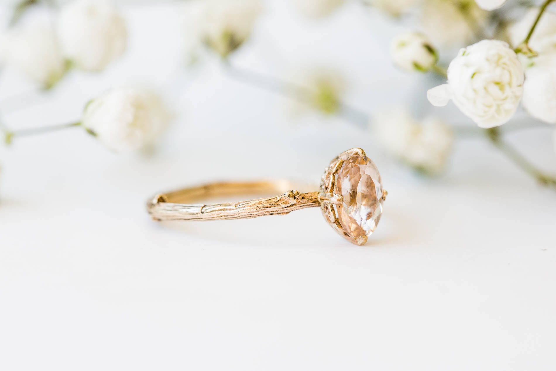 Morganite 14k gold classic engagement ring, solitaire morganite engagement ring, vintage inspired twig engagement ring de Oore en Etsy https://www.etsy.com/es/listing/544867689/morganite-14k-gold-classic-engagement