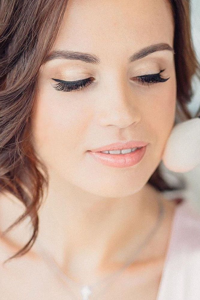 36 Bright Wedding Makeup Ideas For Brunettes Wedding Forward Brunette Makeup Wedding Makeup Wedding Hair And Makeup