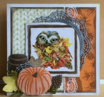 Handmade card by DT member Astrid with Craftables Basic Distressed Square (CR1375), Creatables Leaf Doily (LR0430), Tiny's Pumpkins (LR0431) and Barrel (LR0434) from Marianne Design