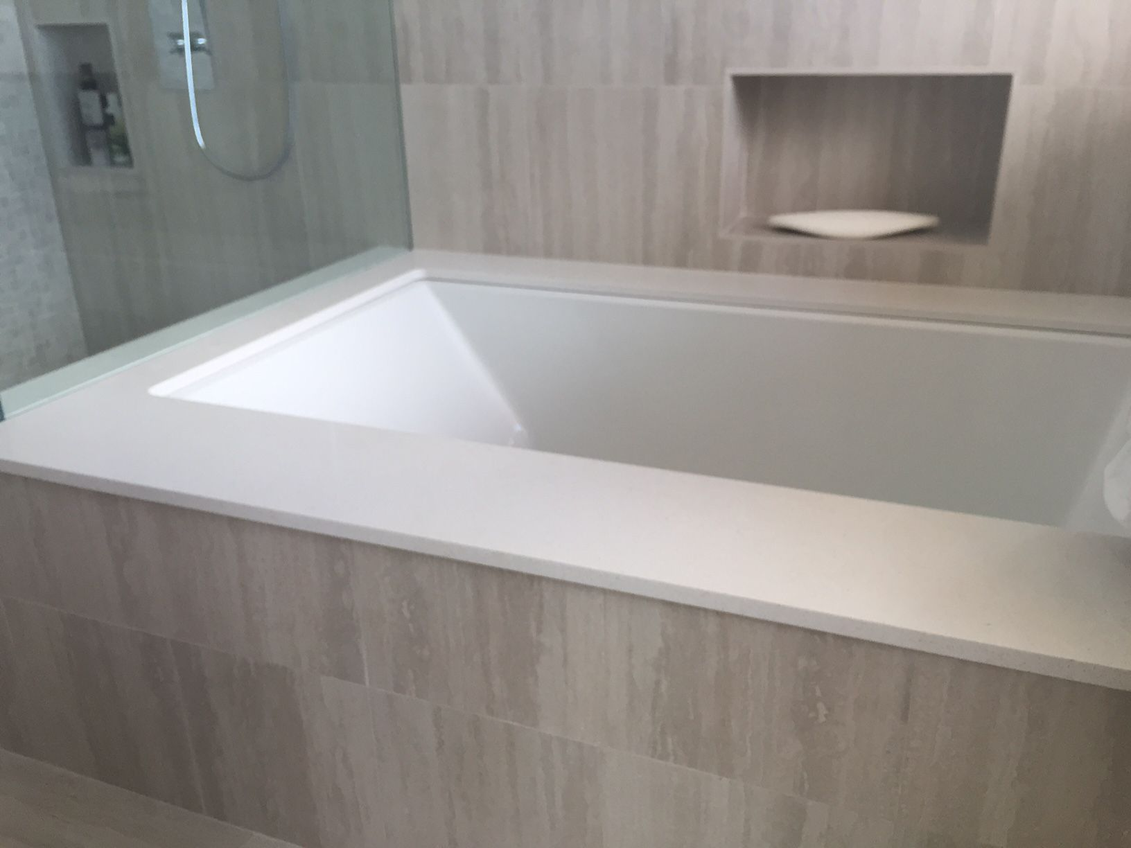Caesarstone quartz tub deck by hawaii kitchen bath for Tub materials
