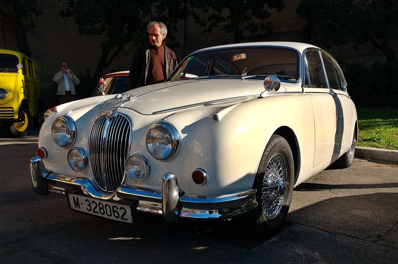 Classic Cars at Auto Retro Barcelona: Jaguar   Cars