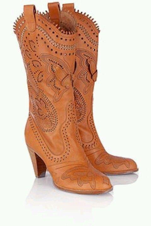 Buho..   Boots!!!