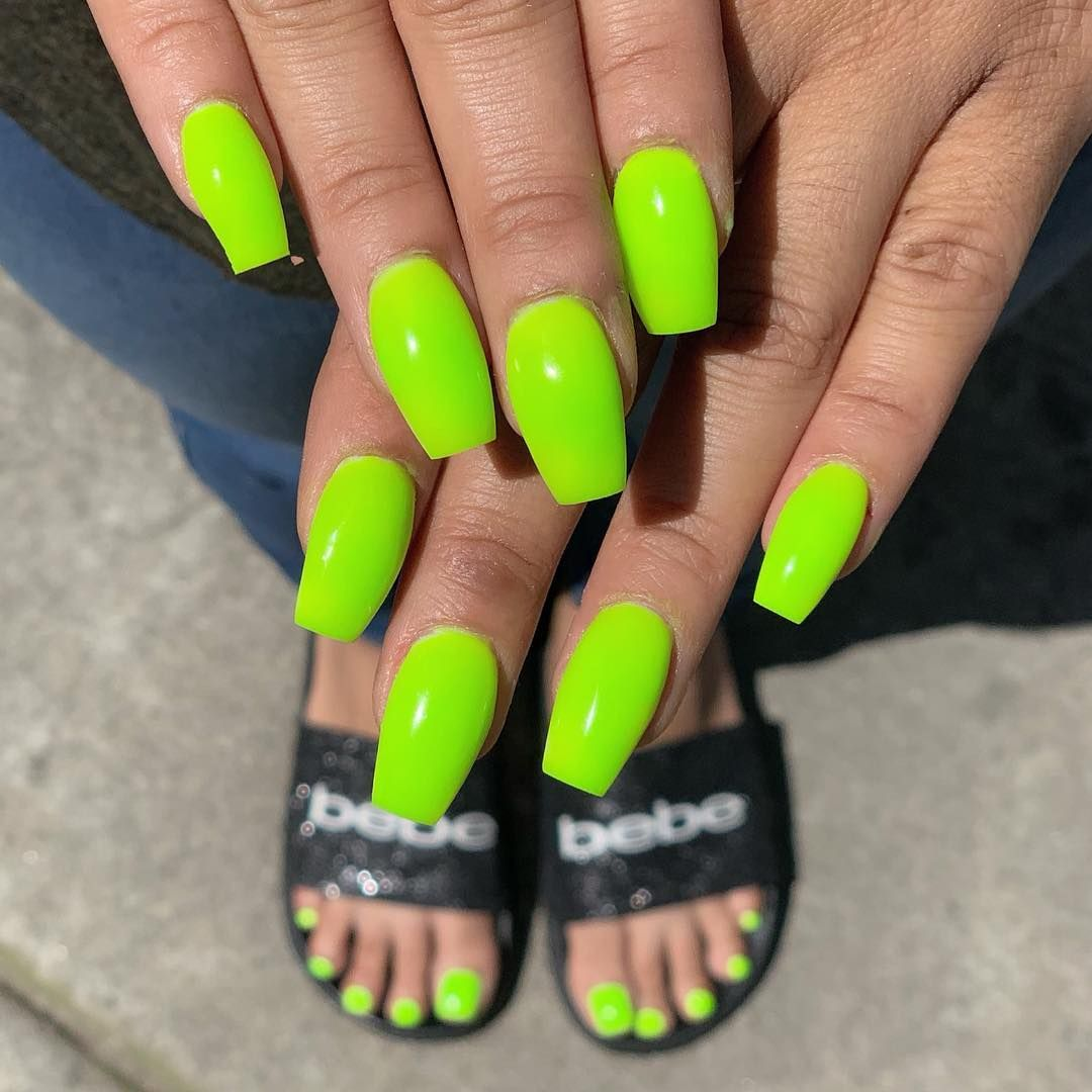 Who S Ready For Summer Neon Nails Neon Green Summernails Nailart Naildesign Nails Nailswag Na Neon Green Nails Neon Orange Nails Green Nail Designs
