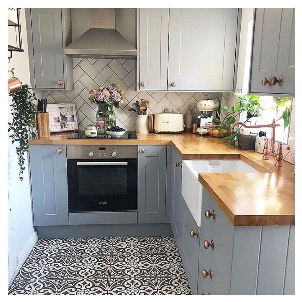 The Sink Boutique On Instagram Cute And Chic Kitcheninspo Acorn Cottage Holidayshopping Farmhous Kitchen Remodel Small Kitchen Remodel Tiny Kitchen
