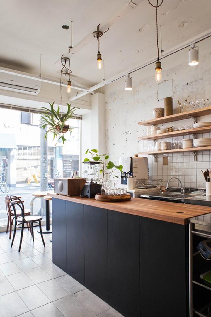 씽크대 제작 조명 레일등 바닥 타일 시공 화이트 컨셉 음식점 인테리어 모던 부엌 디자인 모던 부엌 및 부엌 디자인