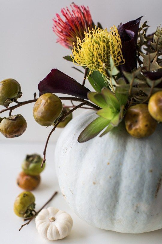A DIY Halloween floral centerpiece Floral centerpieces, DIY - halloween centerpiece