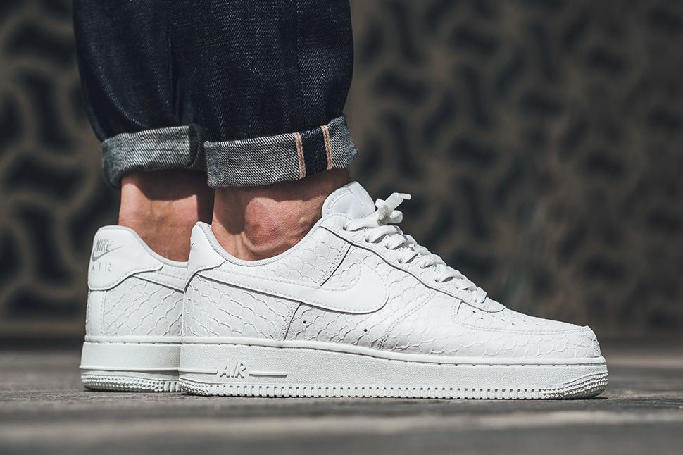 online store a4407 b7619 The Nike Air Force 1 Low 07 LV8 Triple White Comes With A Scaley Motif