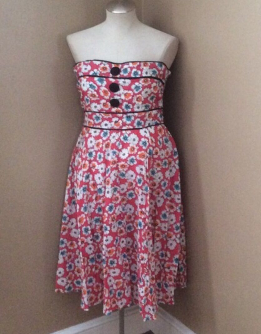 Great summer dress by Angie in a size large made from 100% cotton $20 shipped