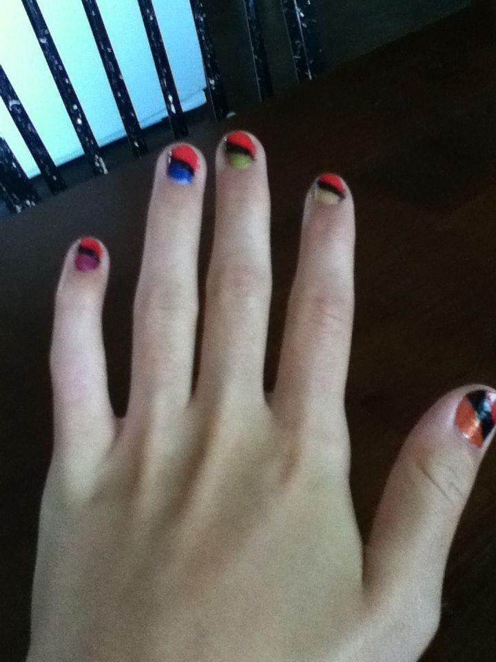 Easy slant rainbow nails:)