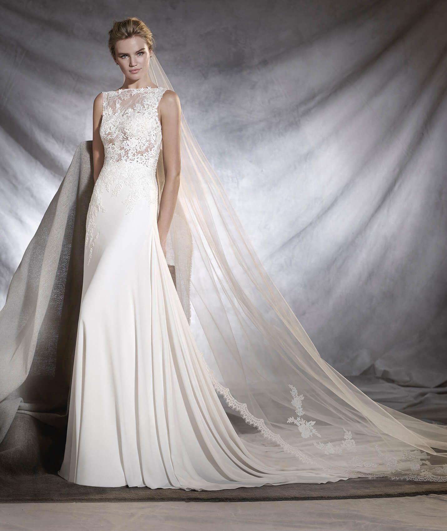 Low Waist Wedding Gowns: Fashionable Lace Appliqued Bodice A-line Low Waist Bridal