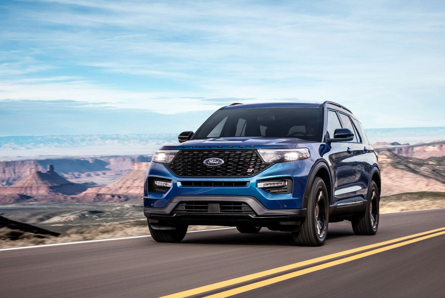 2020 Ford Explorer St Review Gear Patrol In 2020 Ford Explorer 2020 Ford Explorer Best New Cars