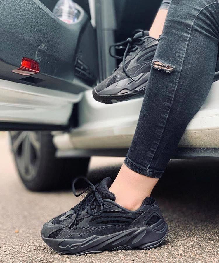 Sneakers fashion, Yeezy shoes, Hype shoes