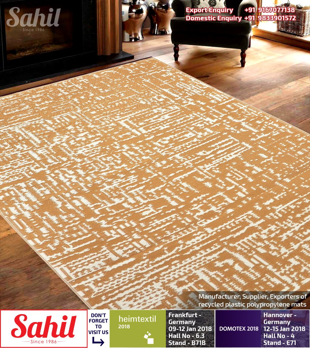 Sahil Plastic Mats Are Woven From Straws Made Up Of Recycled Plastic Which Is Washable Just Shake Or Hose Off For Easy Clean Plastic Rug Plastic Mat Recycling