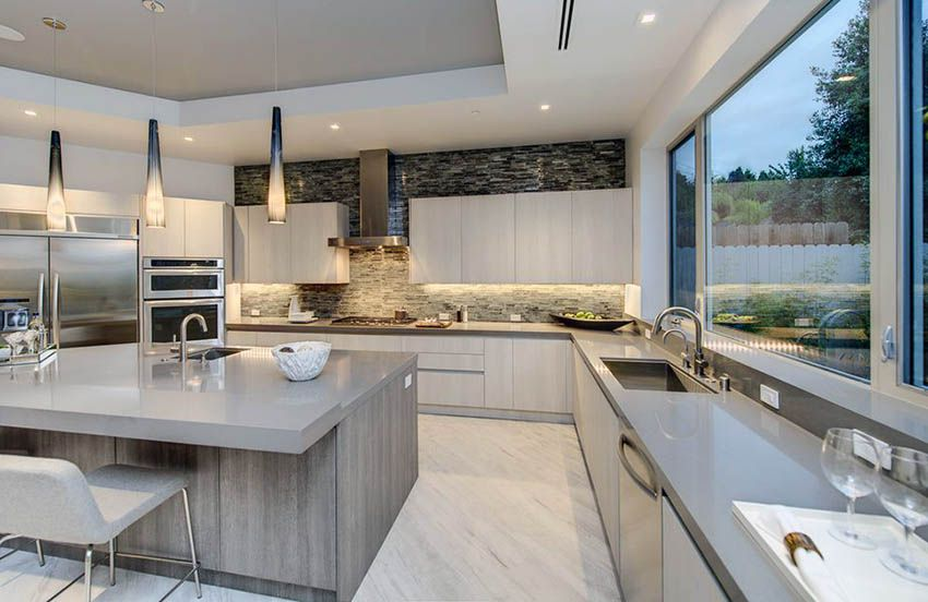 Decorating Ideas for the Space Above Kitchen Cabinets | U ...