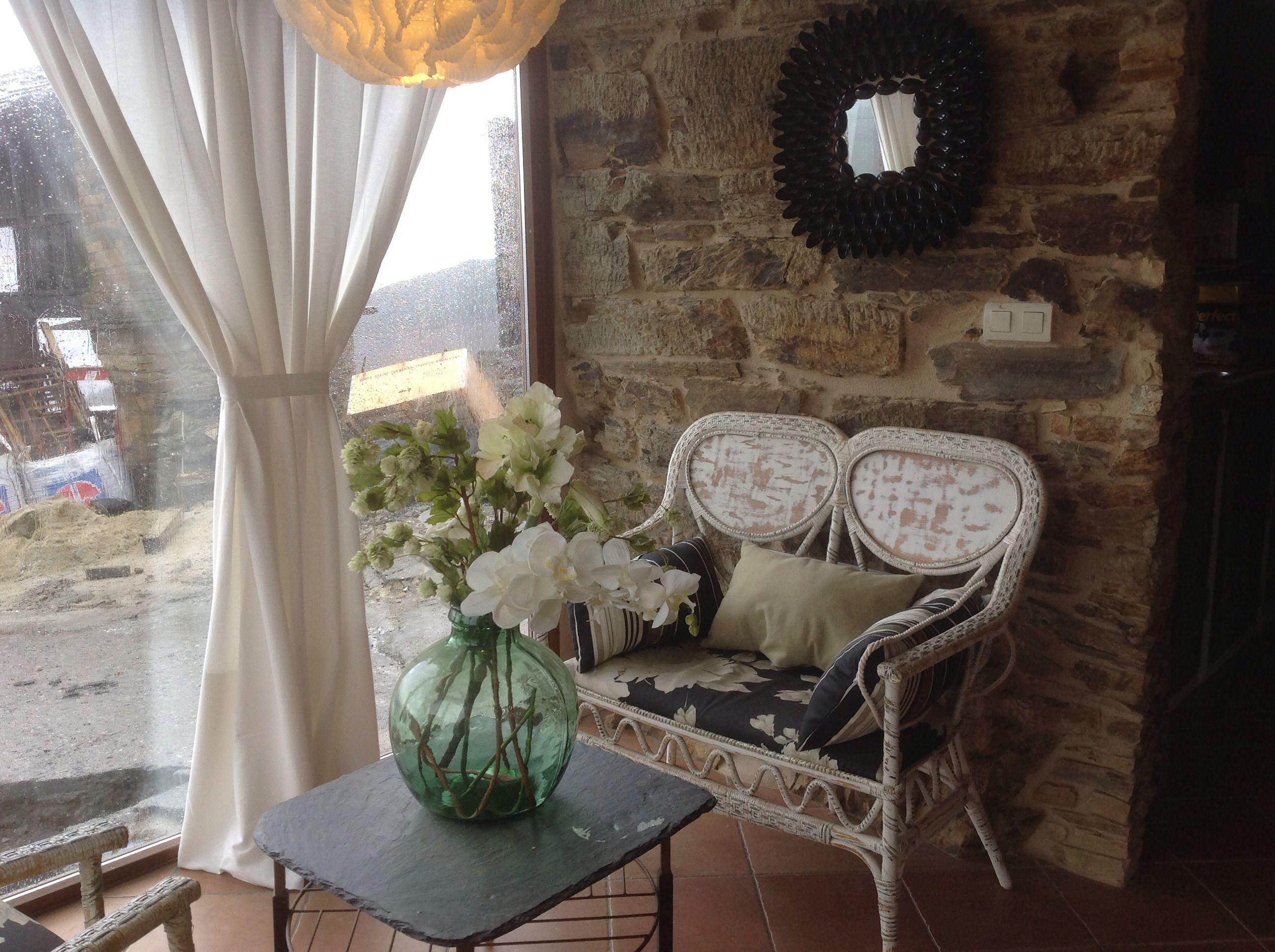 Para el porche peque o sofa de mimbre de capado espejo realizado con cucharas de pl stico - Espejos de mimbre ...