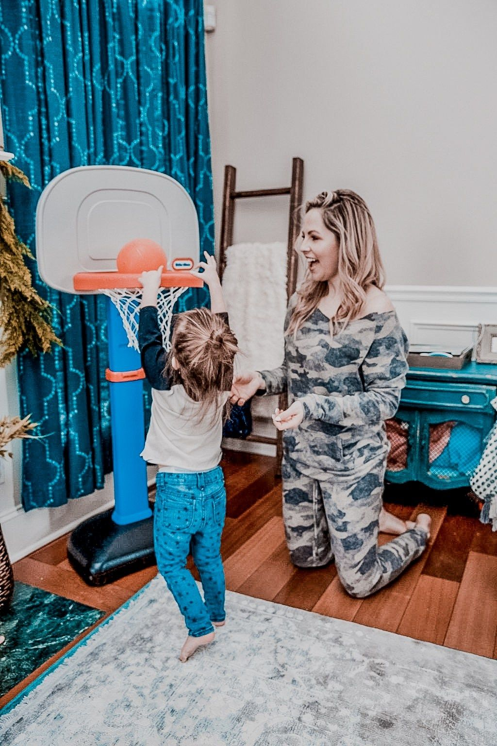 How to Make a Big Decision as a Woman | Mom life funny ...