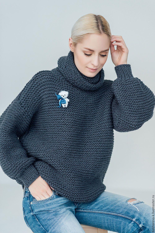 купить объемный свитер с медведем темно серый свитер вязаный