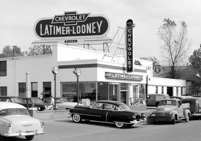 900 Vintage Car Dealerships Ideas In 2021 Car Dealership Dealership Used Car Lots