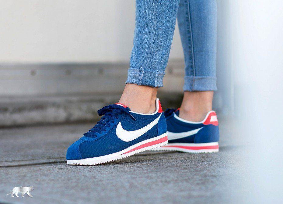 47138c982a899 ... Nike Wmns Classic Cortez Txt (Coastal Blue Sail - Bright Crimson) ...