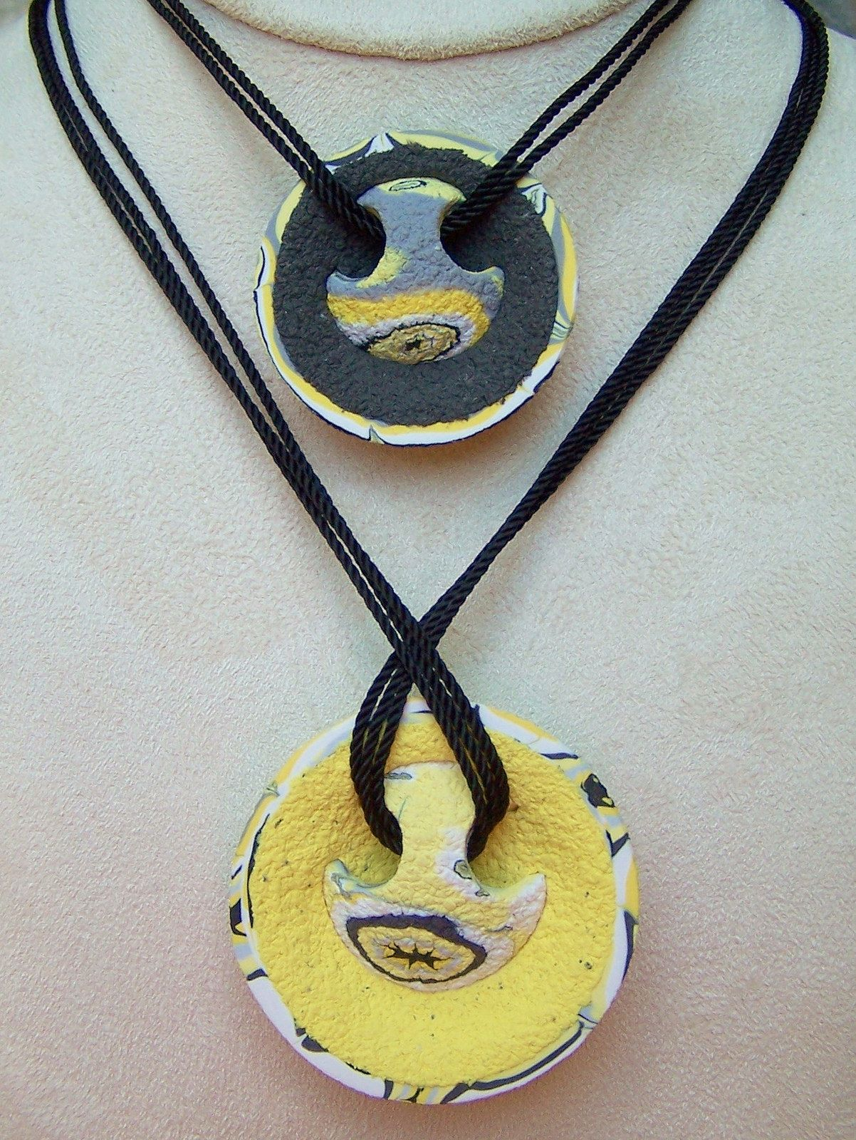 https://flic.kr/p/o683xw | Easy Back Pendants - back | Made with Souffle Clay