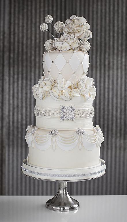 Jeweled Wedding Cake Project On Craftsy Com Wedding Cake Decorations Cake Decorating Classes Crazy Wedding Cakes