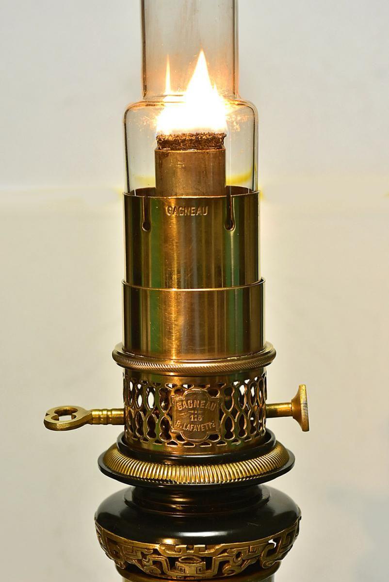 lampe huile mod rateur sign e gagneau vers 1870. Black Bedroom Furniture Sets. Home Design Ideas
