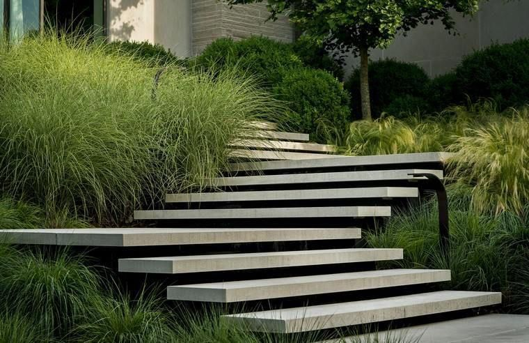 escalier de jardin béton extérieur idée aménagement jardin ...