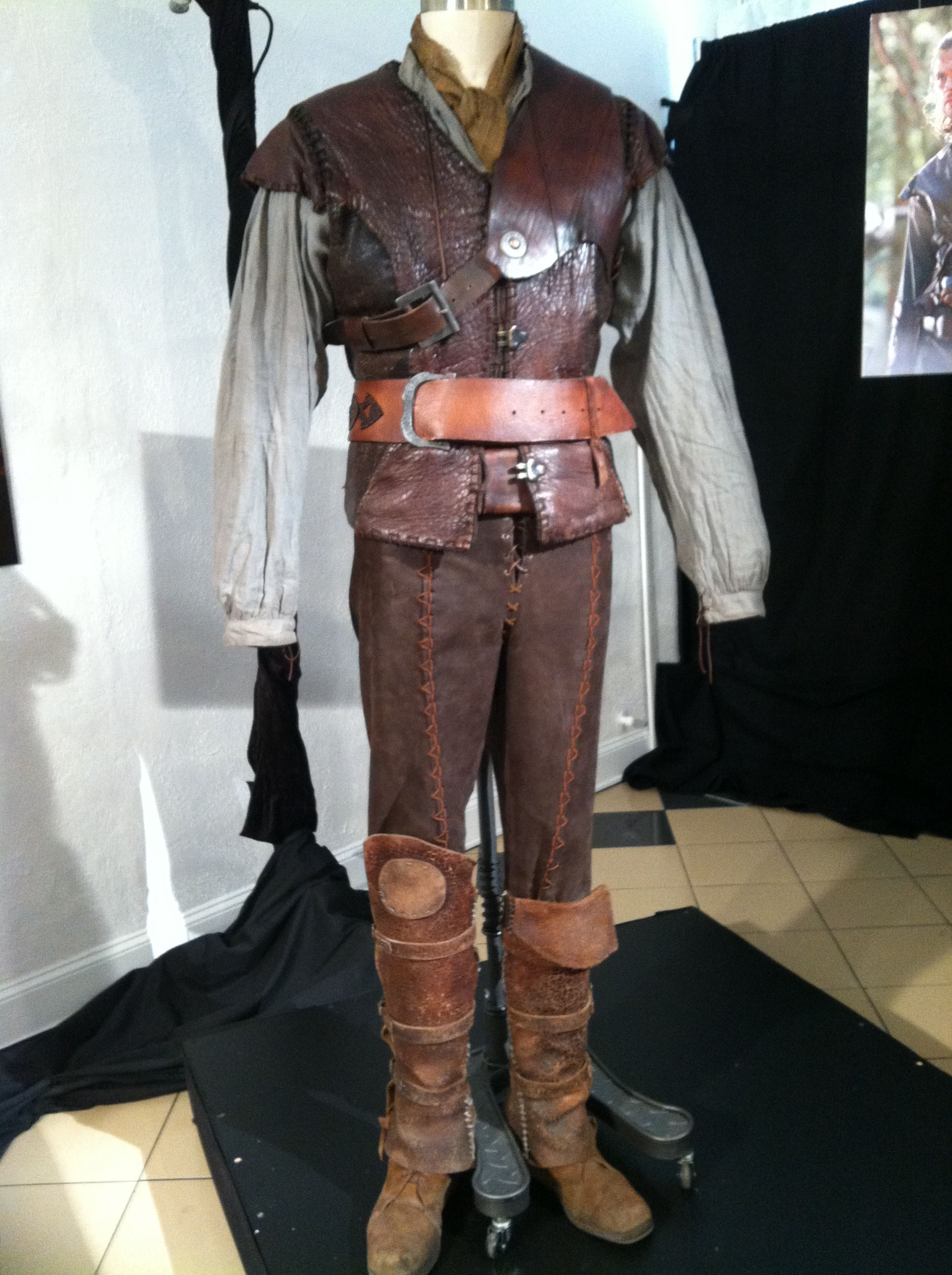 Colleen Atwood Hunstman S Costume For Snow White The Huntsman Colleen Atwood Cute Outfits With Jeans Outing Outfit