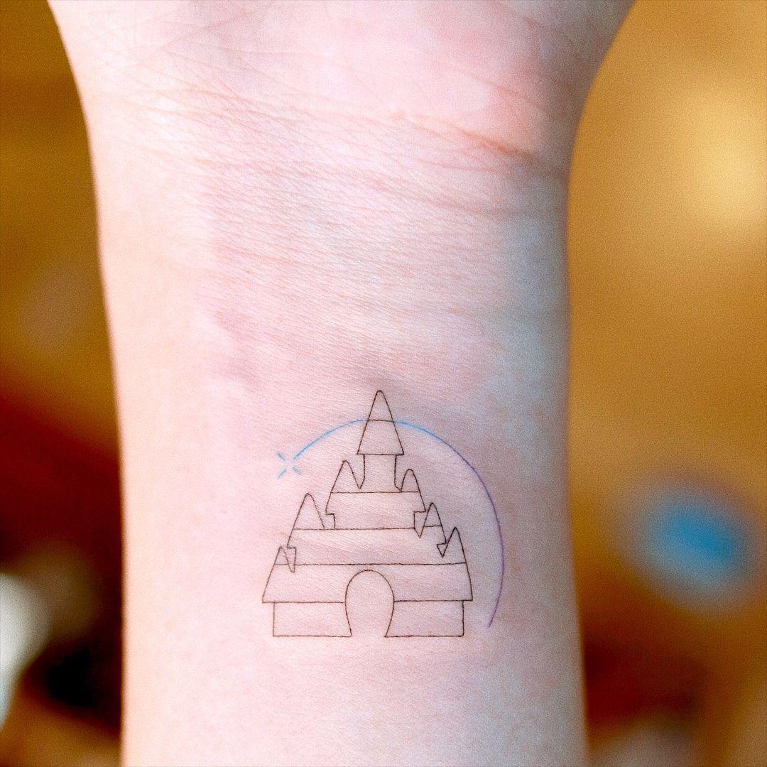 Emotional Mini Tattoo Tattoos Tattoos Lines Alal Tattoo On Instagram Tattoo Tattoos In 2020 Disney Tattoos Small Tiny Disney Tattoo Minimalist Tattoo