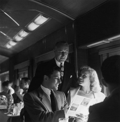 Marilyn Monroe takes the train, early 1950s