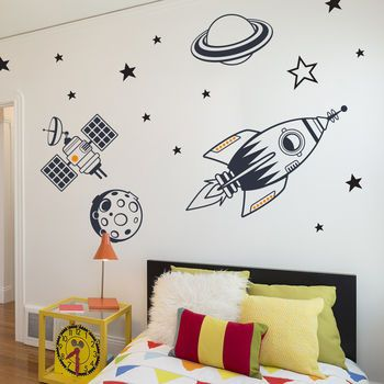 Kids Bedroom Wall Stickers Outer Space Feature Pack   kosmos pokoj ...