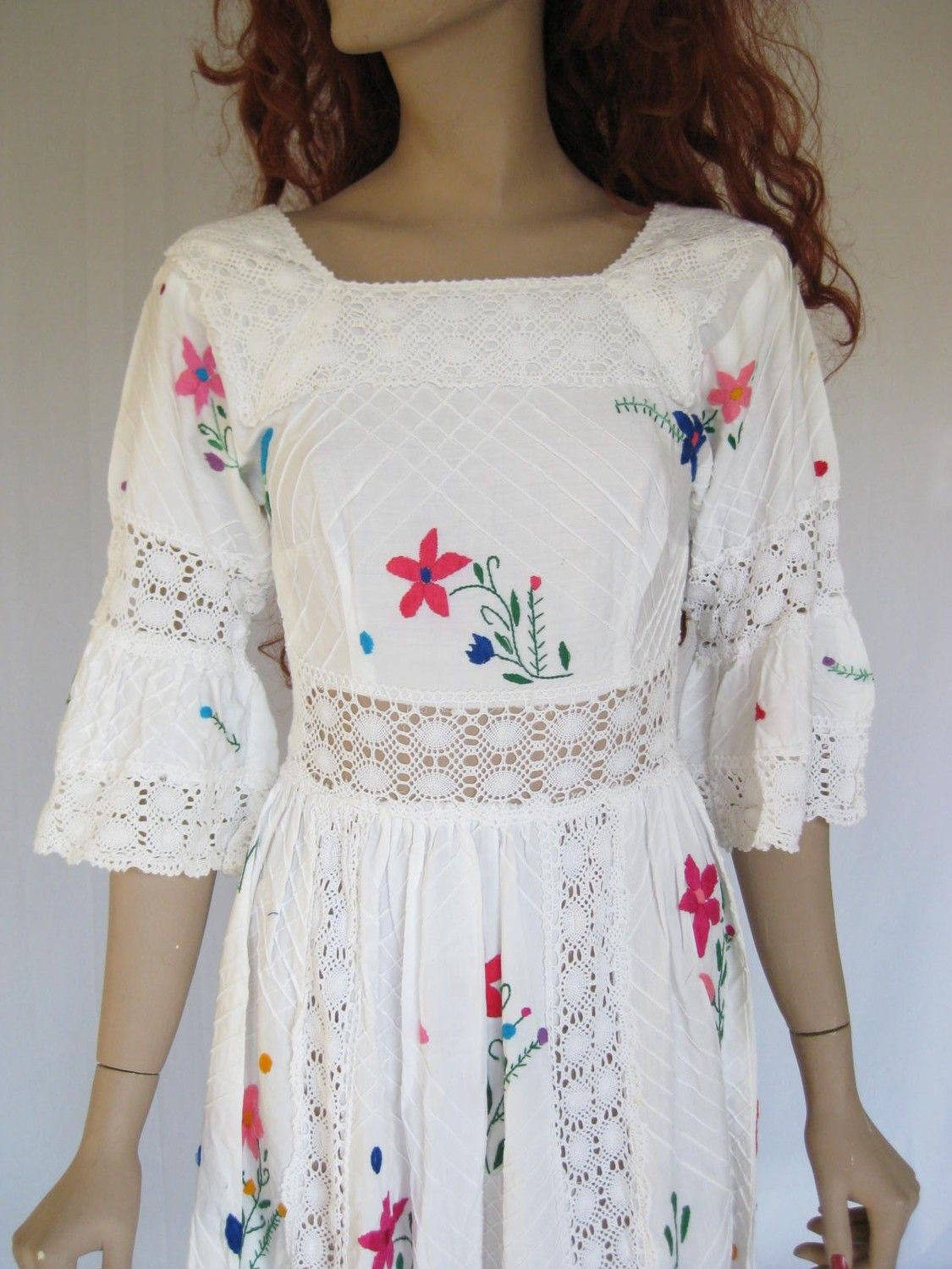 Idea to give those embroidered Mexican Dresses a little more fit ...