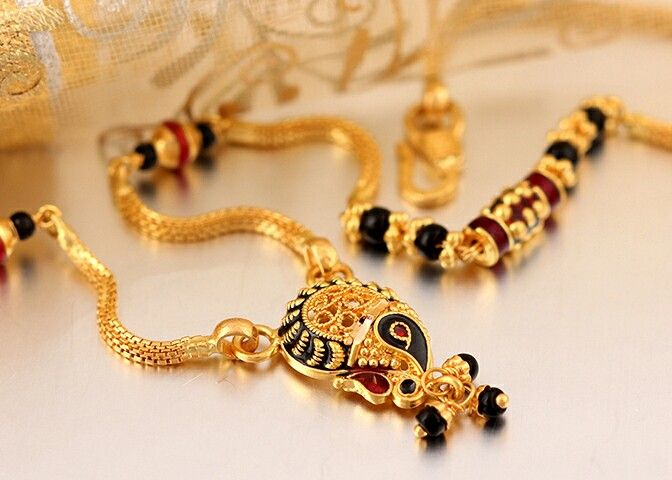 Pin By Gauri Khare On Mangalsutra Designs Gold Mangalsutra