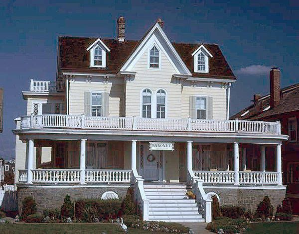 1840-1880: Gothic Revival House (Wood) Victorian Carpenters ...