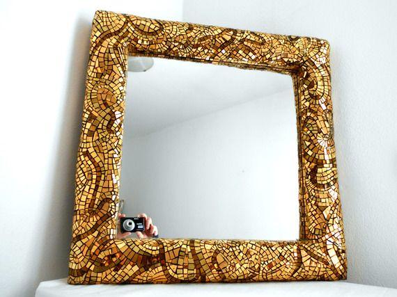 specchio quadrato con cornice in oro (con immagini
