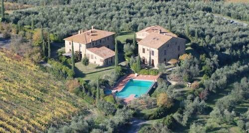 Agriturismo Rigone in Chianti Montaione Offering a free outdoor pool and free mountain bikes, Agriturismo Rigone in Chianti is 1 km from Montaione centre. Set in 14 hectares of private land, this family-run property produces its own Chianti wine, extra-virgin olive oil and honey.