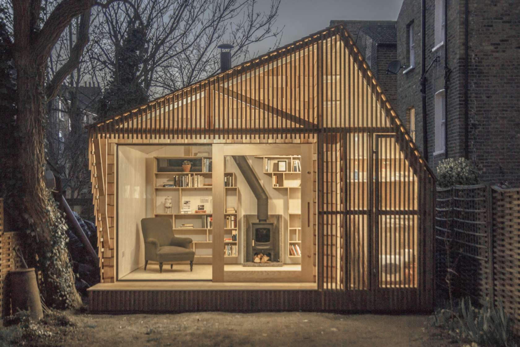 Writer S Shed A Glowing Hut Hides At The Bottom Of The Garden Backyard Studio Garden Studio Architecture