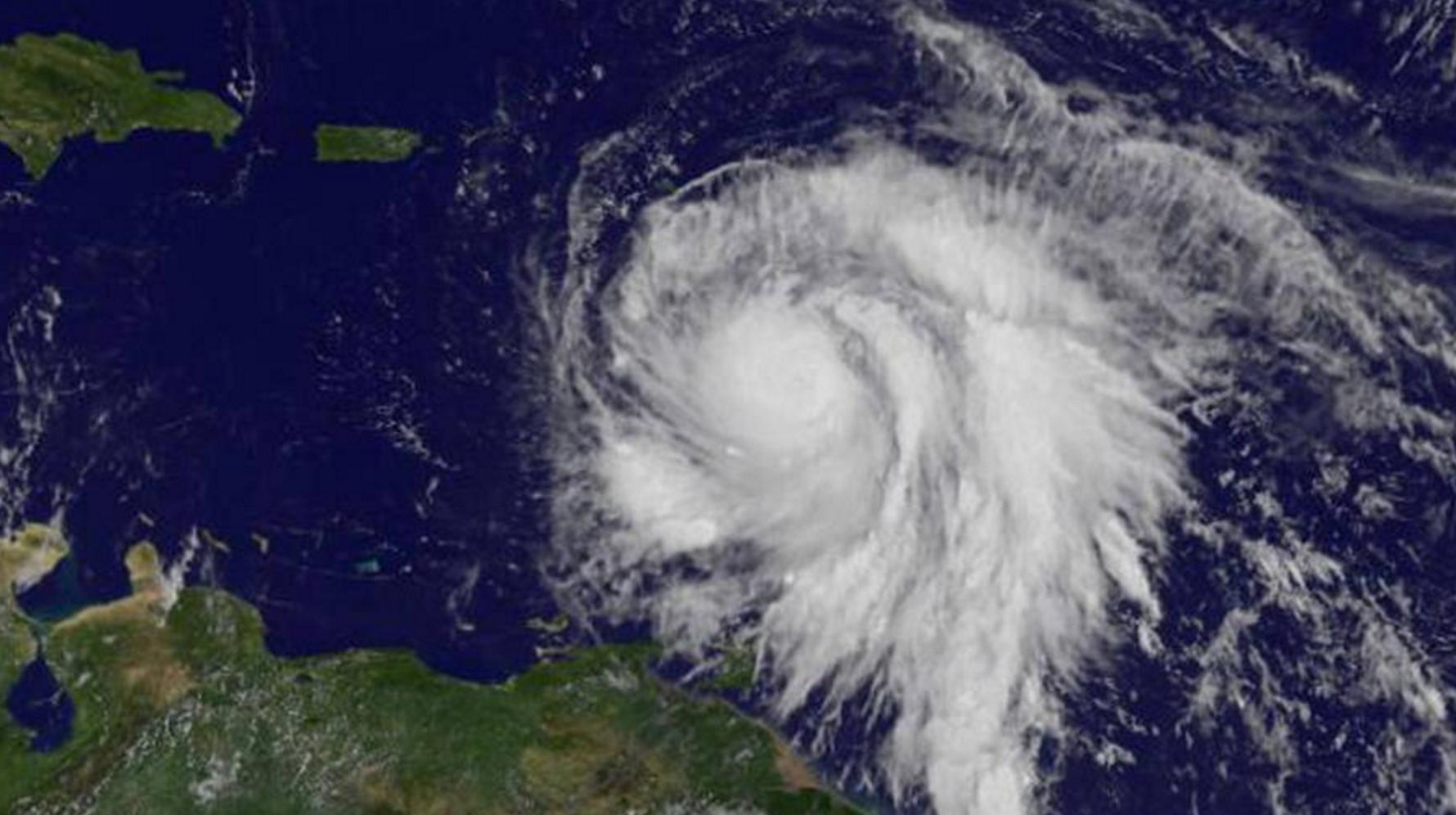 Esta Es La Trayectoria Del Huracan Maria Noticias Telemicro Caribbean Islands Hurricane National Hurricane Center