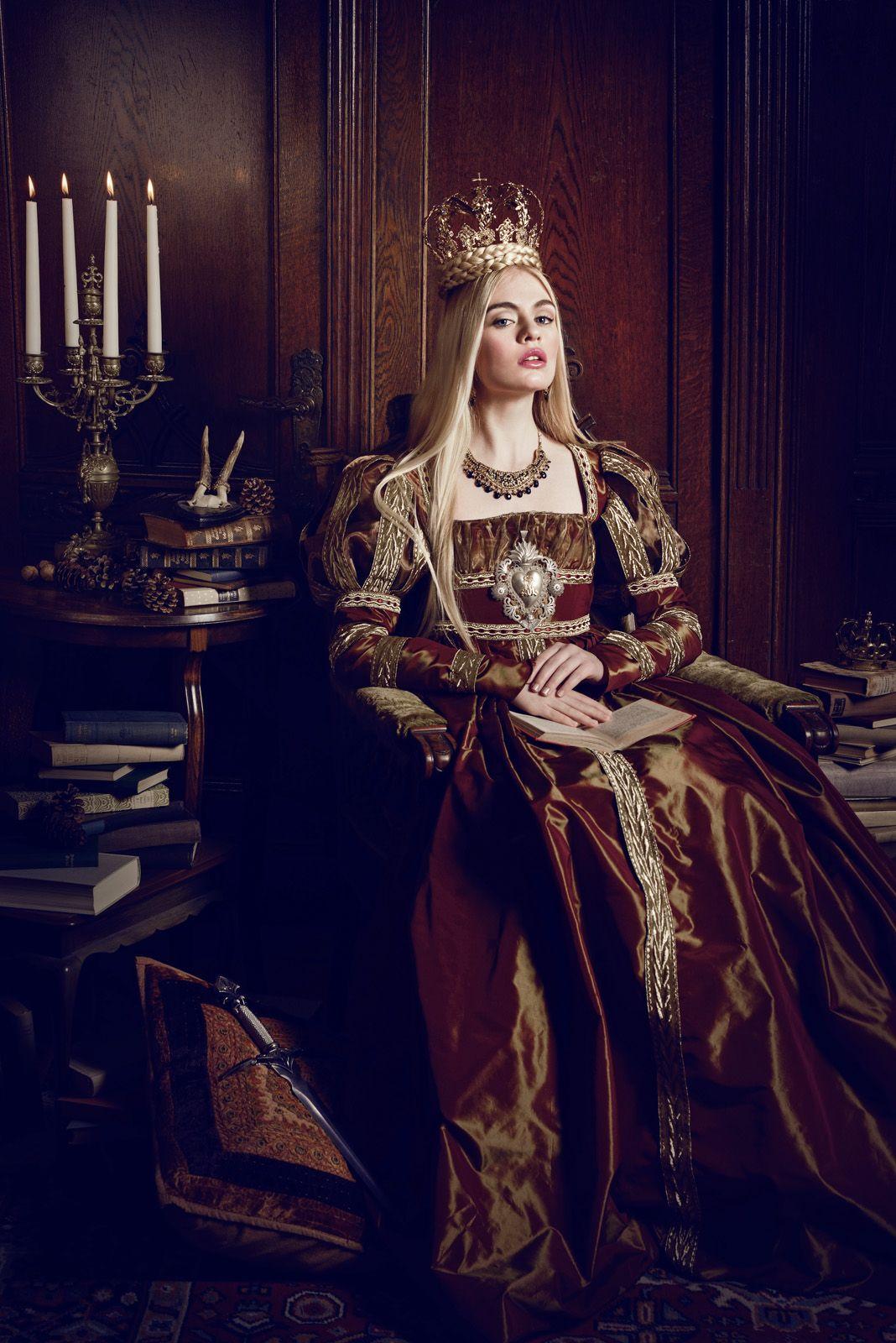 Темные Принцессы и сказочные миры в фотографиях Viona в 2019 году