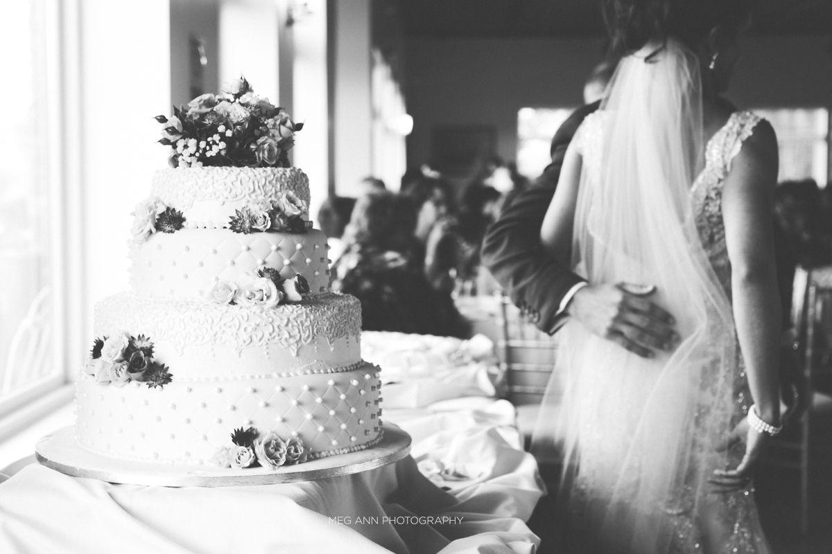 Meg Ann Photography Winehaven Winery Chisago City MN MInneapolis Wedding