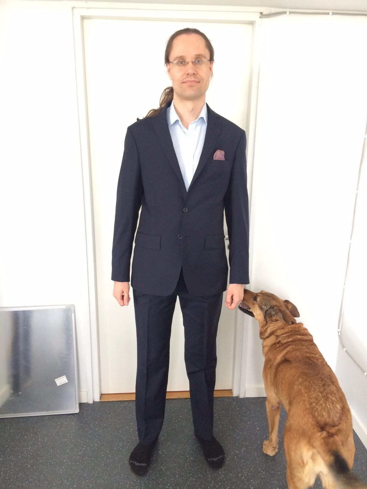 Seems that Tuomas Toivonen dog Senna approves his brand new bespoke