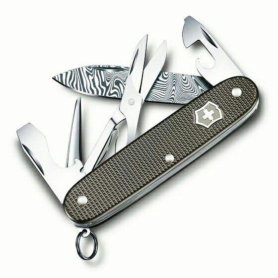 Pocket Knife Comparison Chart Victorinox Swiss Army